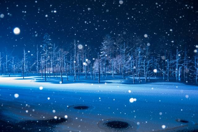 美瑛の夜の冬景色