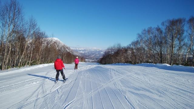 トマムのゲレンデでスキー