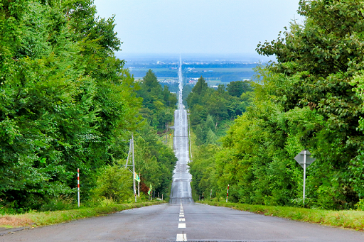 斜里町の天に続く道