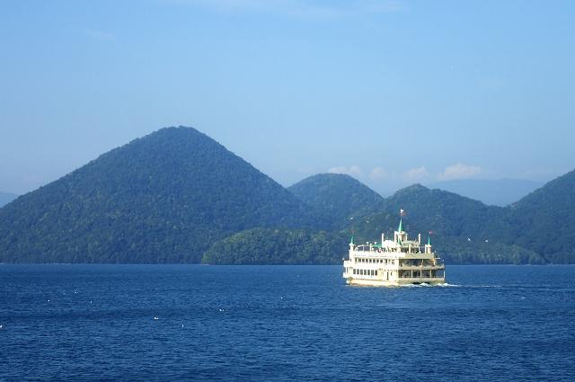 夏の遊覧船